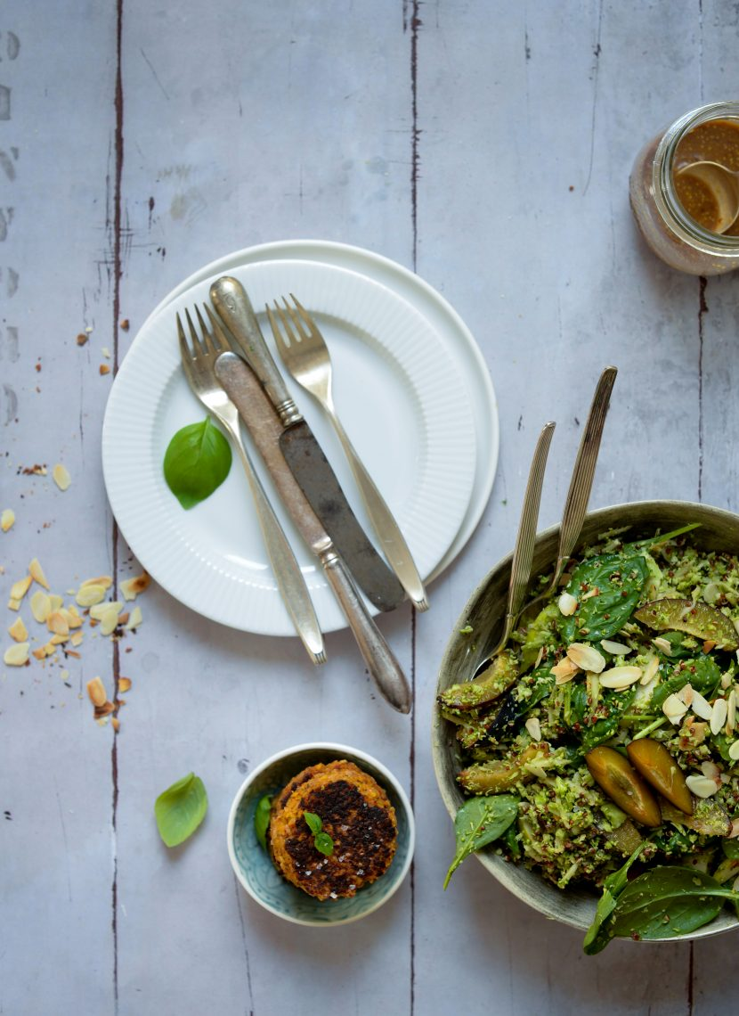 Broccoli-quinoa slaw med sennepsdressing